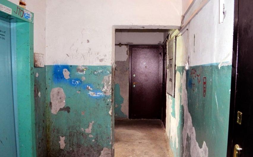Кто должен ремонтировать и красить пол в общем коридоре жилого дома
