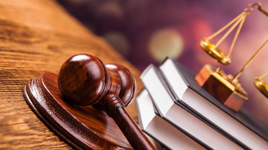 Паспорт, пенсионное удостоверение не являются документами, решил Верховный Суд РФ!