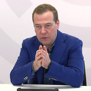 Медведев запретил необоснованное повышение цен на услуги ЖКХ