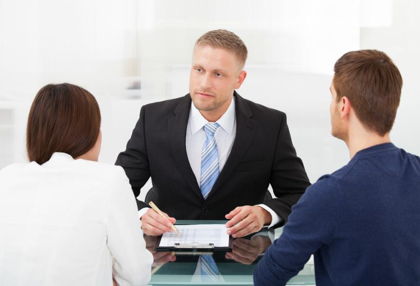 Адекватная стоимость юридической консультации: какую сумму отдать не жалко
