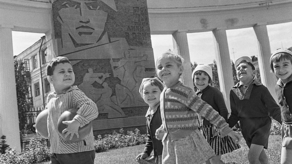 Большинство россиян говорят, что Советский Союз  заботился о простых людях – опрос.