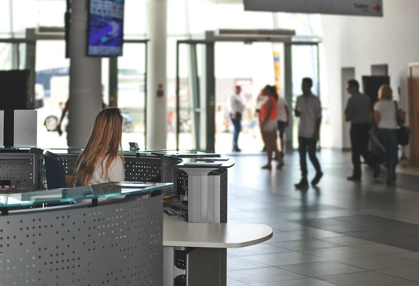 В МВД согласились вернуть курилки в аэропорты