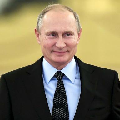 Президент РФ подписал закон об отмене долгов по ТС