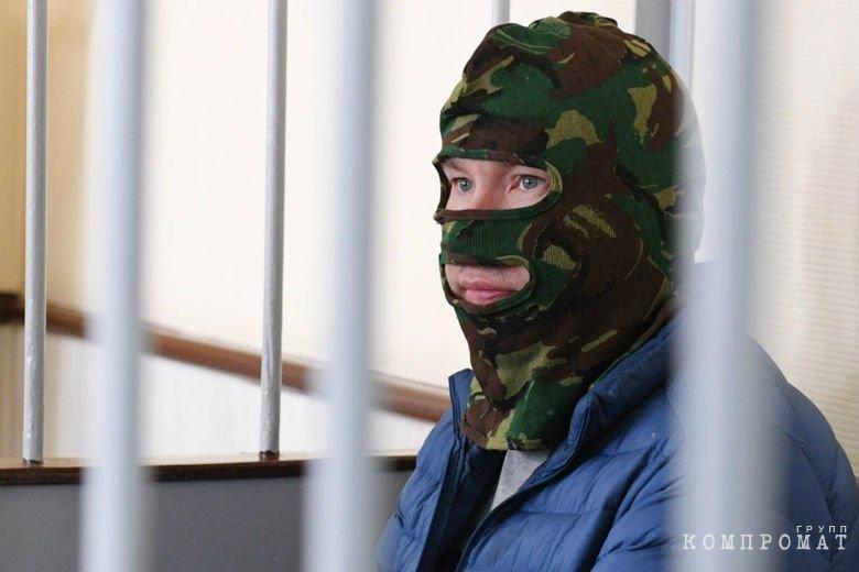 Помощник полномочного представителя Путина задержан по обвинению в государственной измене.