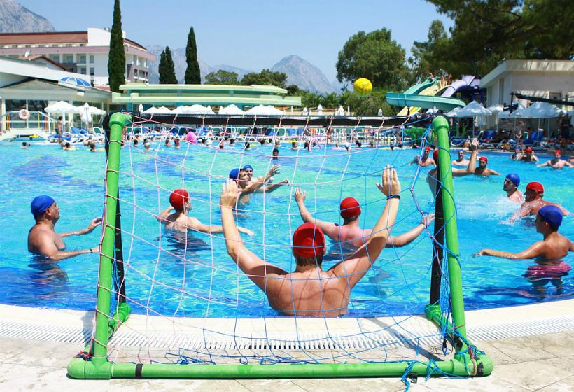 В Турции российский турист утонул в бассейне