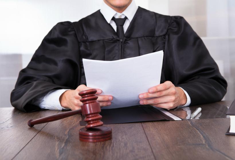 Осужденному прибавили срок за оскорбление судьи