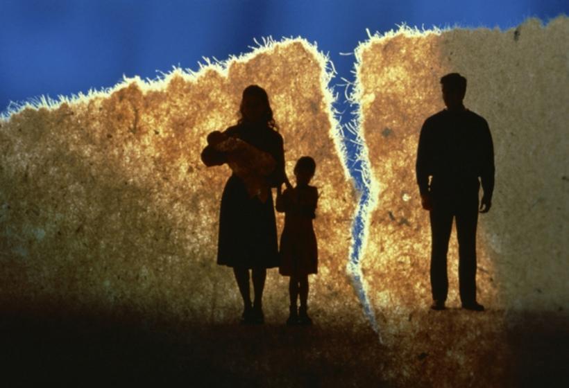 Можно ли добровольно отказаться от отцовских прав?