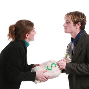Нужно ли платить алименты с продажи движимого и недвижимого имущества?