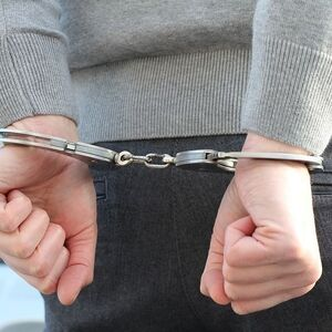 В Петербурге задержан парень, который накачивал школьницу наркотиками и вступал с ней в интимную свя