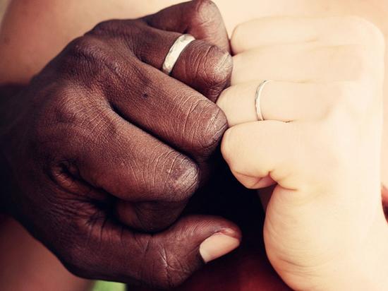 «Чёрные полковники»: африканские брачные аферисты придумали схему обмана россиянок
