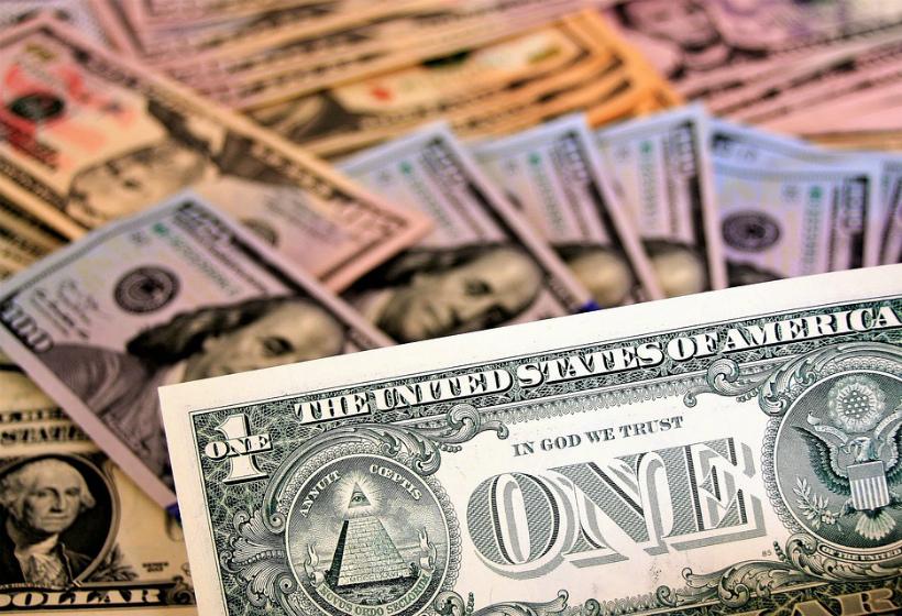 Россиянам предсказали доллар по 30 рублей