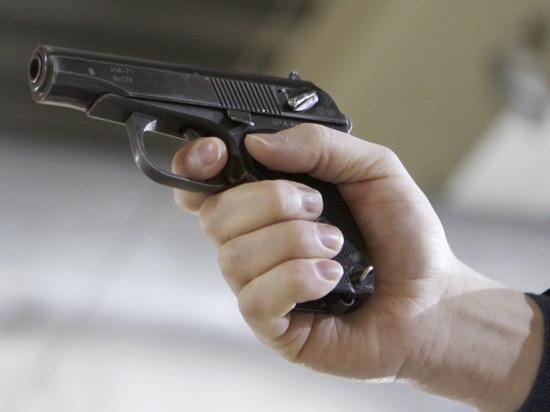 Петербуржец выстрелил в затылок жене на глазах у детей
