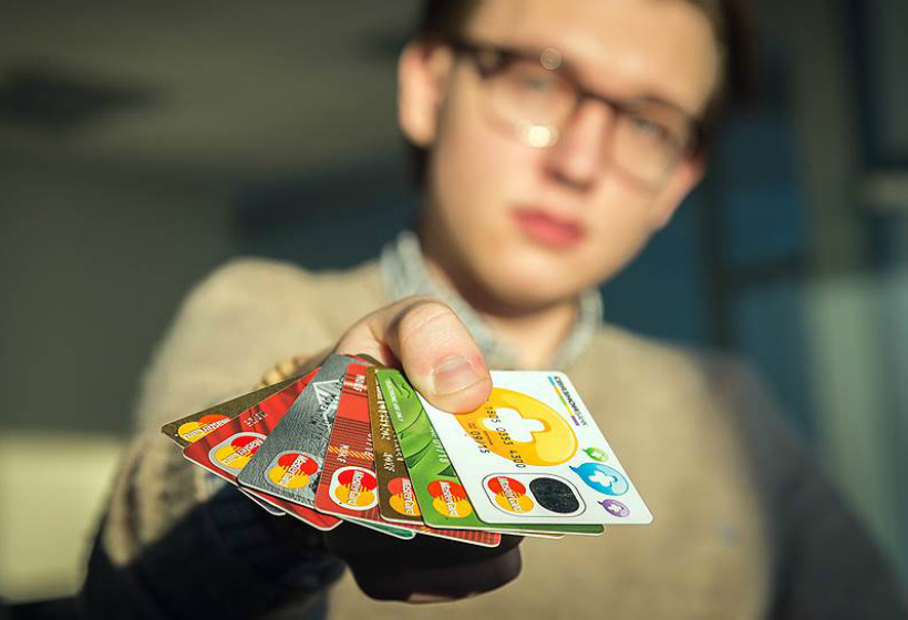 Сбербанк насчитал школьнику из Новосибирска… долг по кредиту