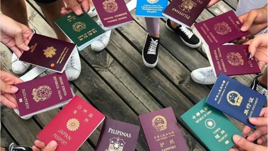 Ускоренное получение гражданства в Российской Федерации.