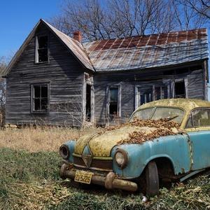 Если ваш дом не отвечает этим условиям, то по решению суда – это не дом, а машина