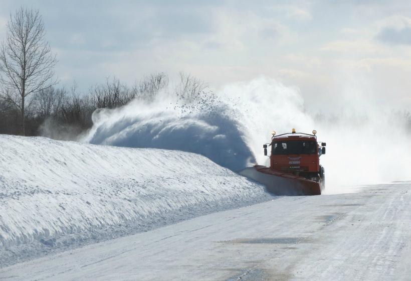 В России со снегом на дорогах будут бороться новым способом