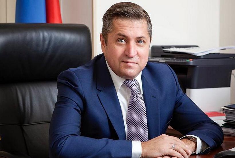 Экс-супруг Поклонской обвинил в домашнем насилии «оскотиневших» женщин
