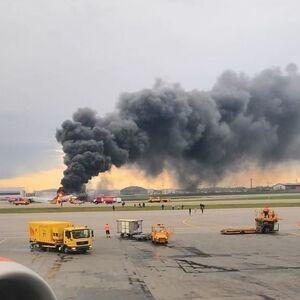 Пилоту самолета SSJ100, потерпевшему авиакатастрофу в Шереметьево, предъявили обвинение