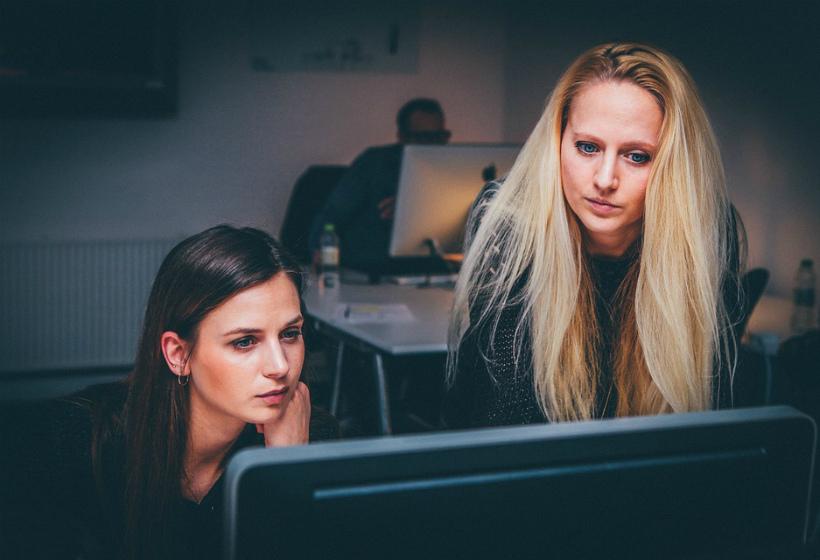 Названы негативные последствия работы в офисе