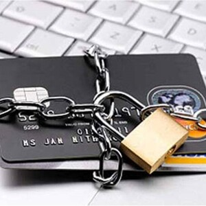Могут ли приставы или банки наложить арест на кредитные карты (счета)?