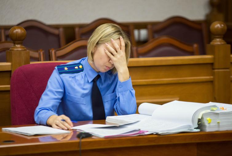 Обязаны ли прокуроры обжаловать незаконные обвинительные приговоры?