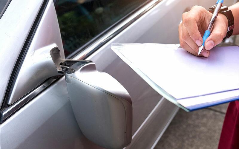 Автомобиль повредили на стоянке — что делать? Инструкция ЗР