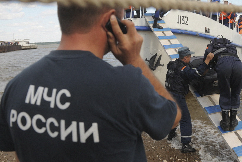 13 человек погибли при прорыве дамбы в Красноярском крае