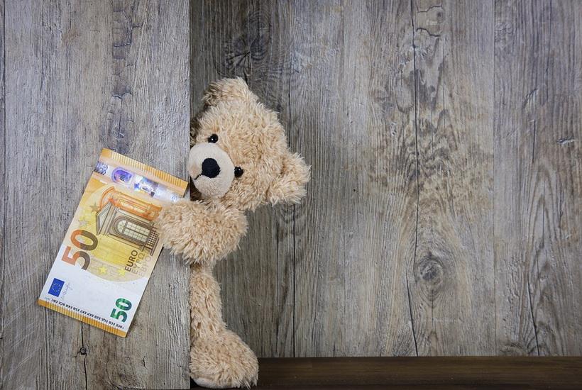 Россияне не готовы отказаться от подарков чиновникам