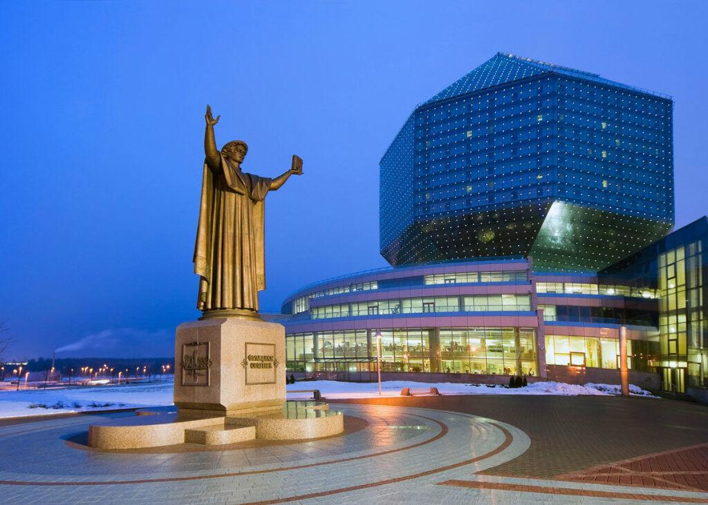 Что ни в коем случае нельзя делать россиянам в Беларуси. Запомните четыре правила