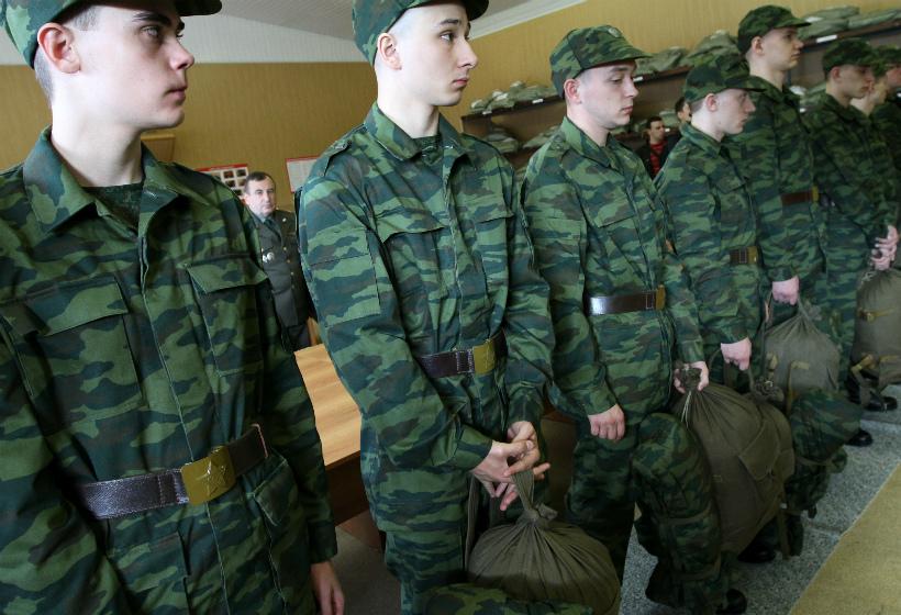 В России тысячи военных подняли по тревоге
