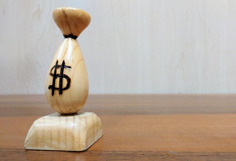 ЦБ повысил курс доллара на 31 октября