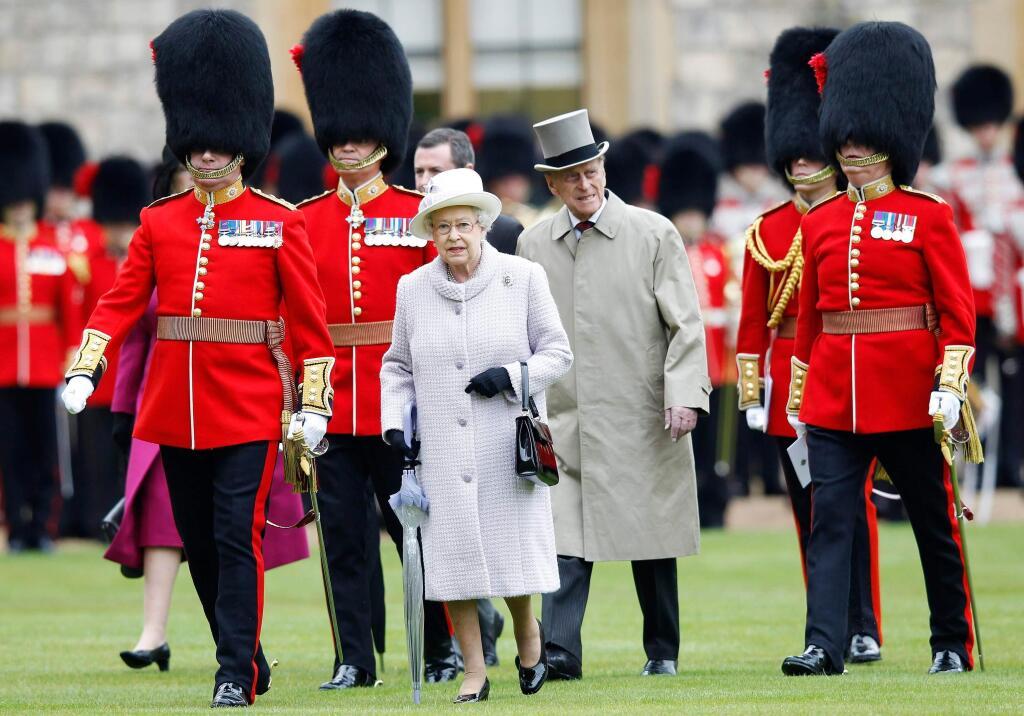 сделала королевская охрана картинки сразу