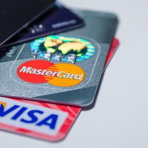 Россиян предупредили об опасностях кредиток
