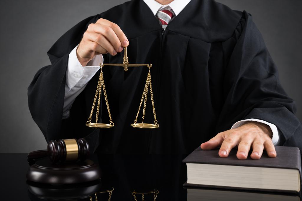 Являются ли у нас в России суды независимыми?