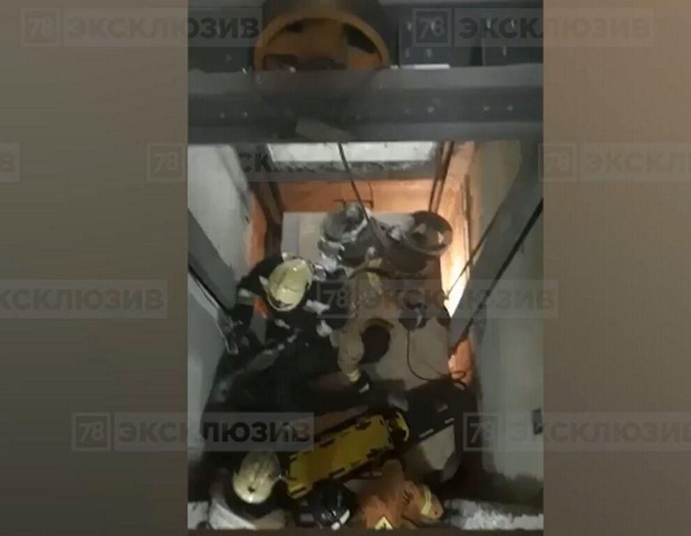 Падение лифта с рабочими в доме на проспекте Солидарности стало уголовным делом