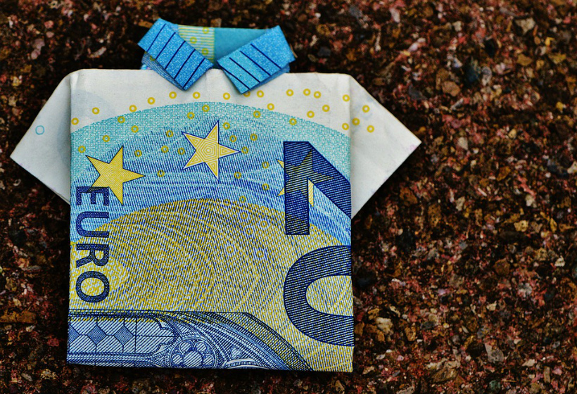 ЦБ понизил курс доллара и евро на 6 ноября