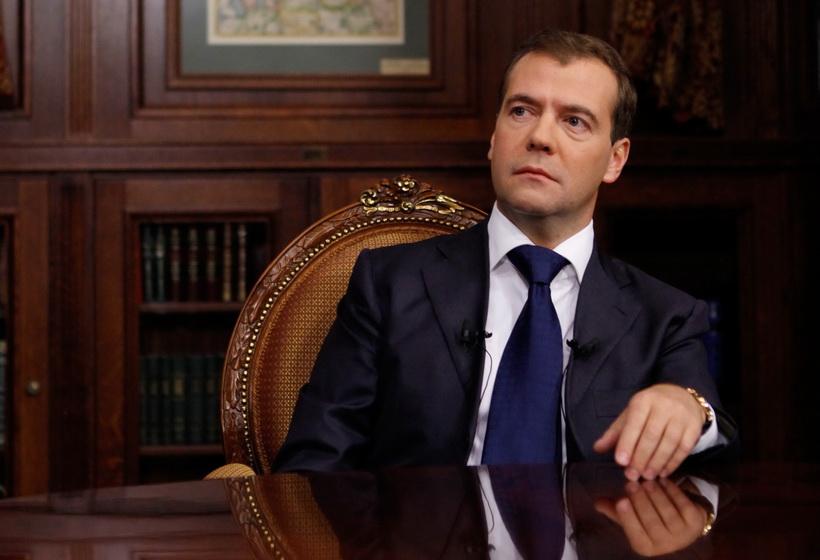 Хотите ли вы сменить Путина на Медведева?