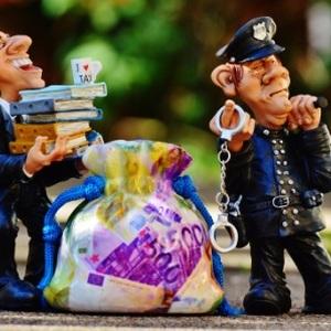Как вернуть изъятое судебным приставом имущество?