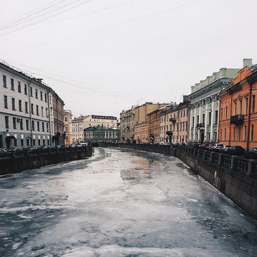 В Петербурге из Мойки достали мужчину, в рюкзаке которого лежали женские руки