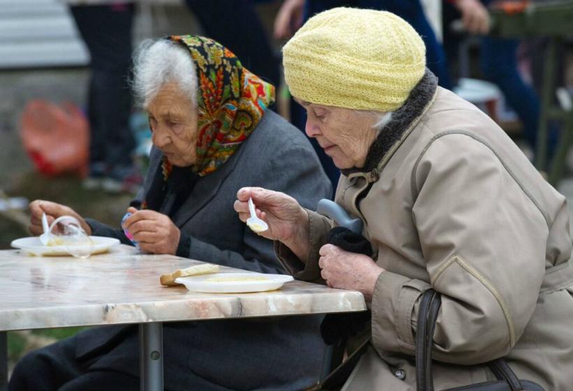 Пенсия в России на самом деле большая или маленькая? Сравним с разными странами