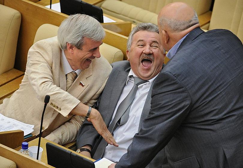 Барыги законотворчества : Депутатам официально разрешат рубить бабло