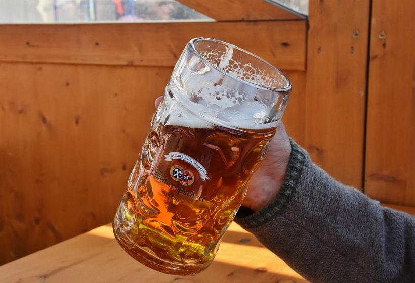 Госдума одобрила закон о продаже пива на стадионах