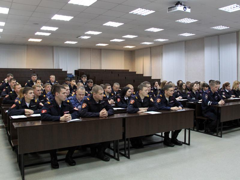 В новосибирском Центре профессиональной подготовки состоялся выпуск сотрудников Росгвардии
