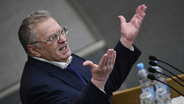 Пленарное заседание Госдумы было прервано демаршем Владимира Жириновского