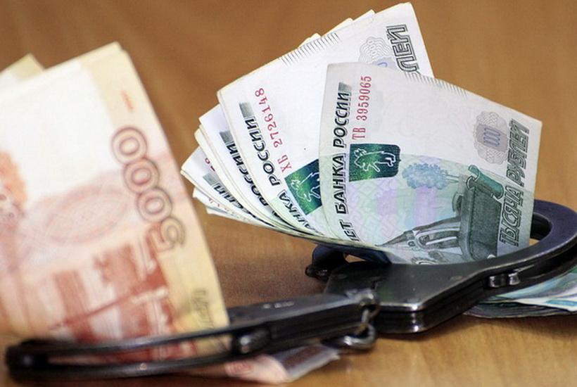 Красноярский чиновник при задержании выбросил взятку в снег