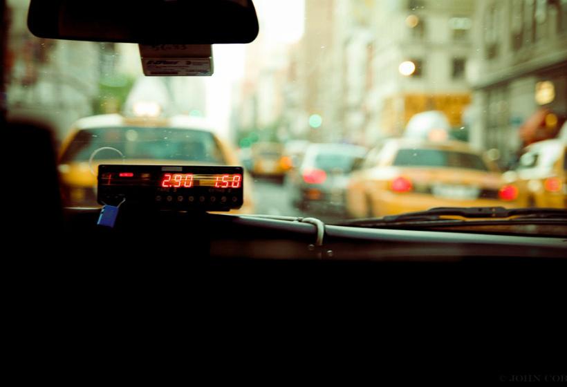 Ранее судимым хотят запретить работать в такси