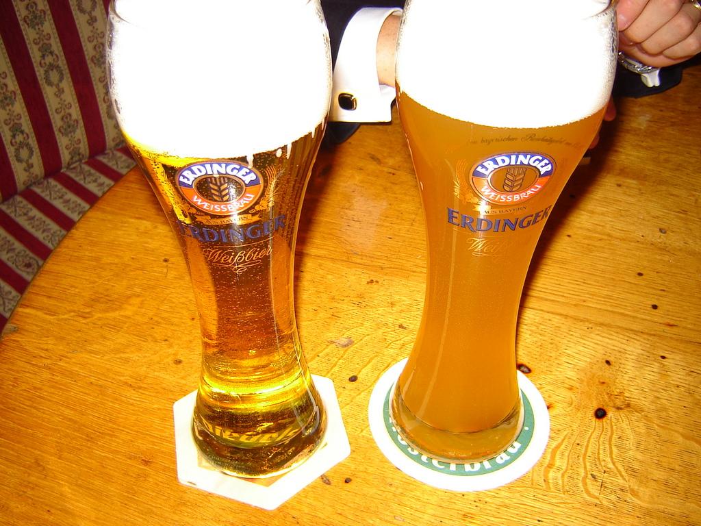 Какое пиво лучше, немецкое пиво или чешское пиво? Я за немецкое пиво.