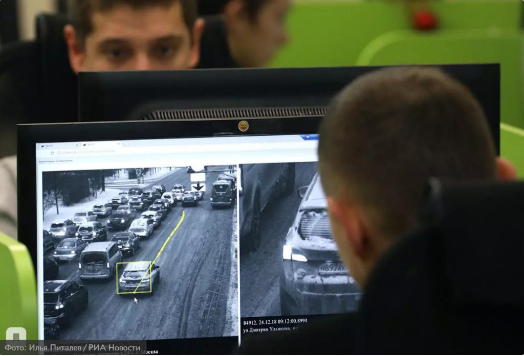 Москвичу пришел штраф за превышение скорости из-за машины на эвакуаторе.