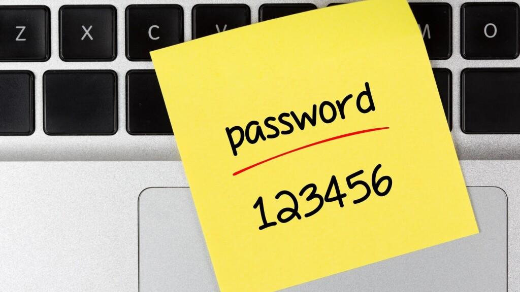 Каждый может лишиться денег из-за пароля от электронной почты