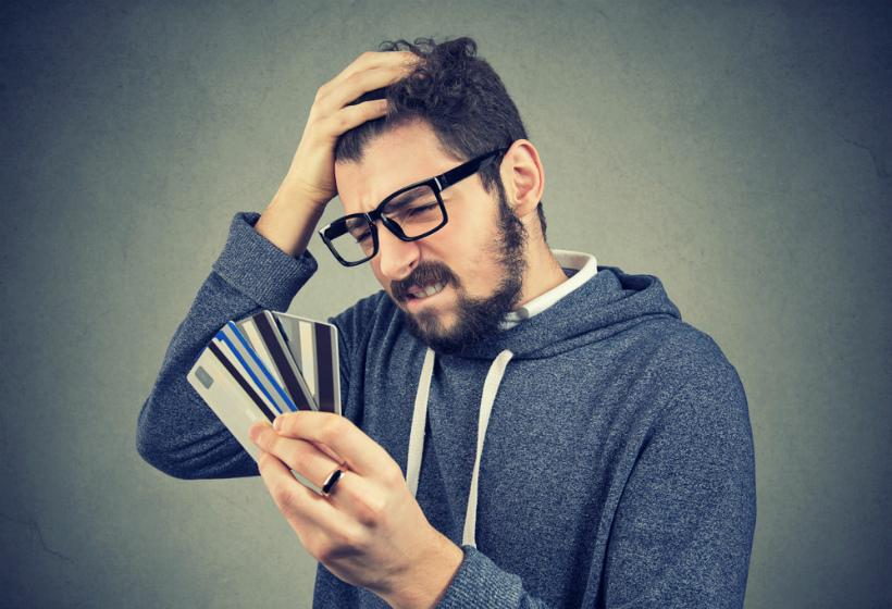 Неприятный сюрприз: всем, кто получает деньги на карту, советуют приготовиться